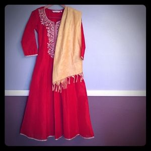 Traditional Indian Dress & Scarf